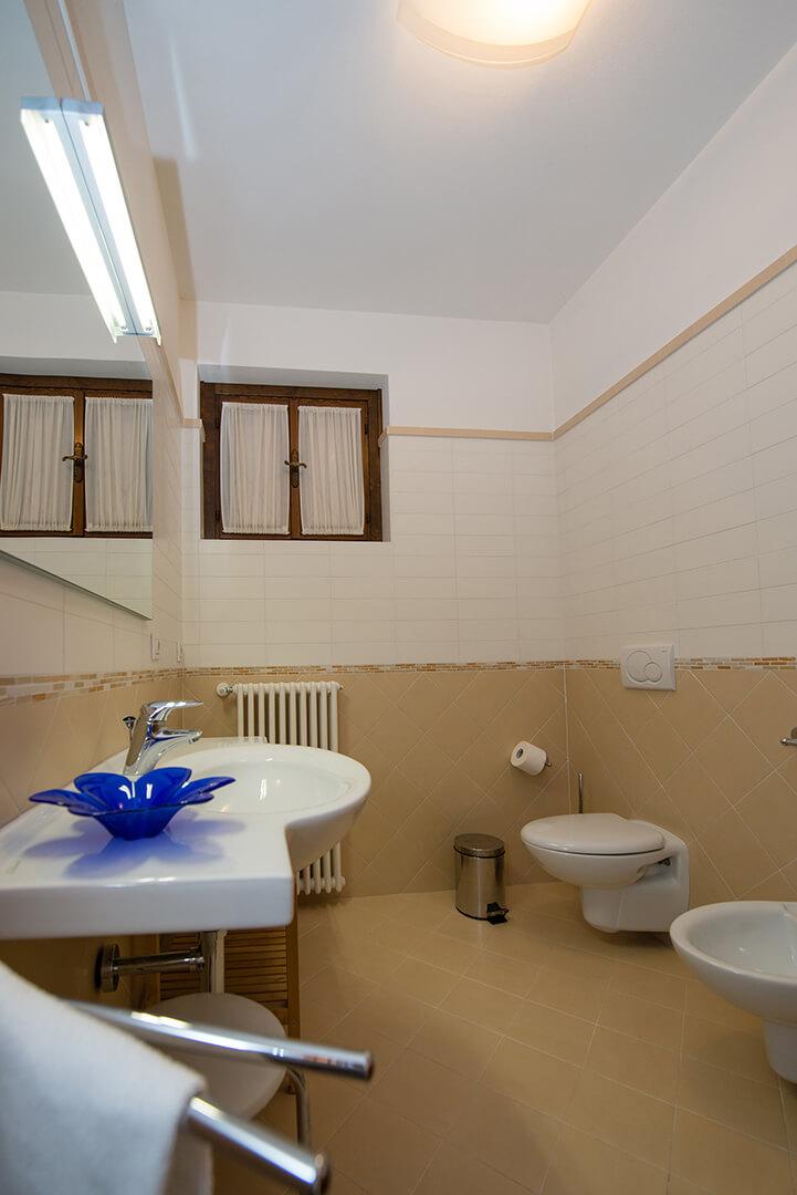 appartamento-a-canevini-bagno-2