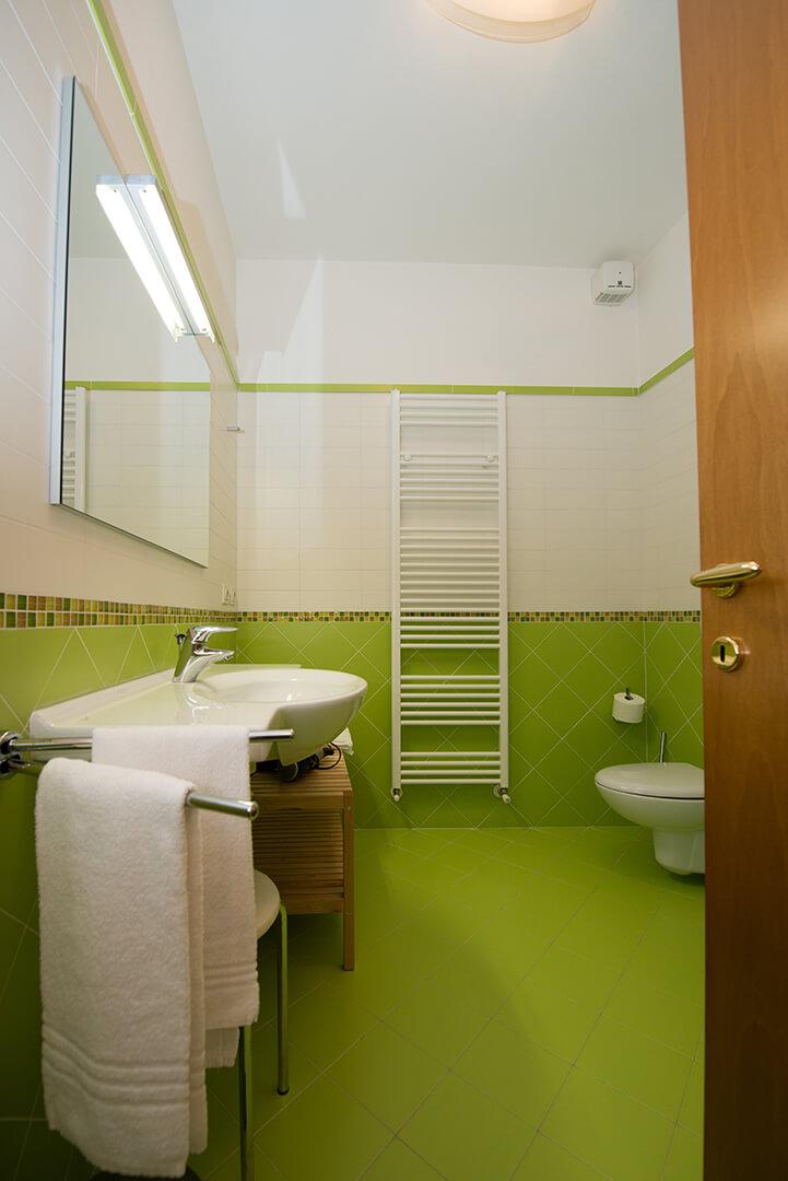 appartamento-a-canevini-bagno-3