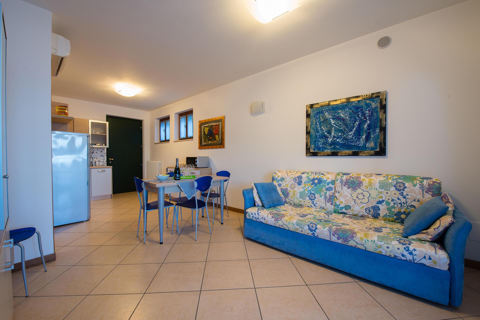 appartamento-a-canevini-camera-7