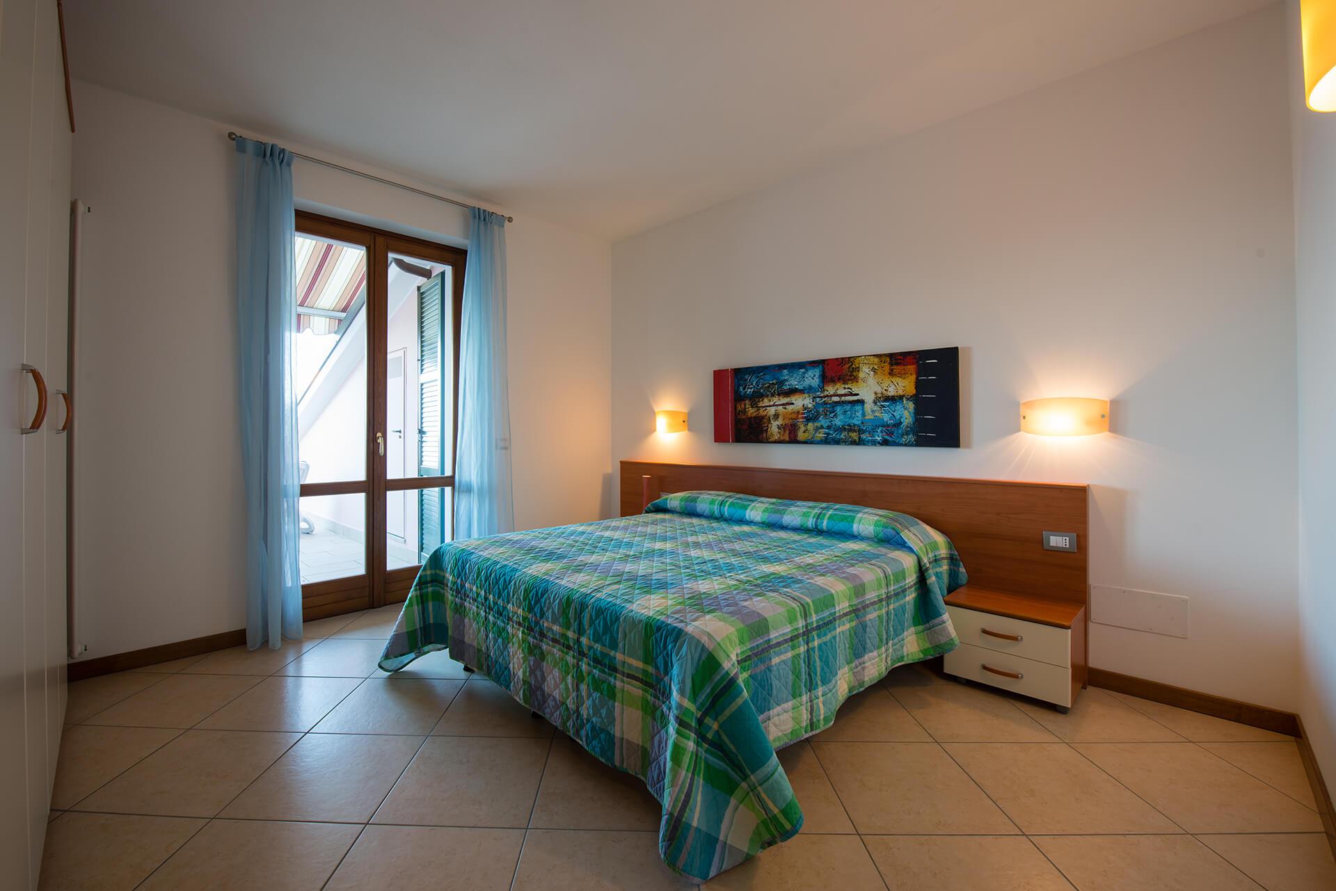 appartamento-a-canevini-camera-8