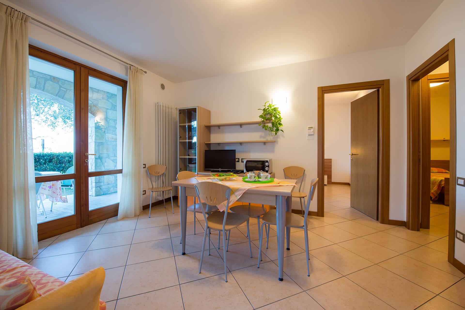 appartamento-a-canevini-camera-9