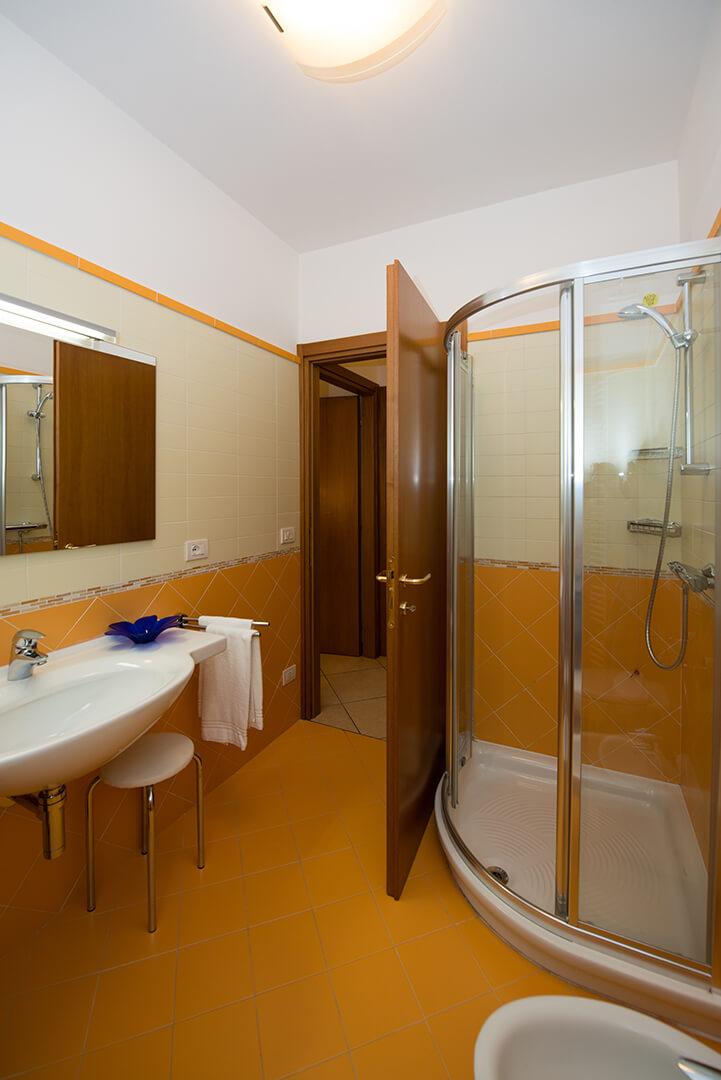 appartamento-b-canevini-bagno-2