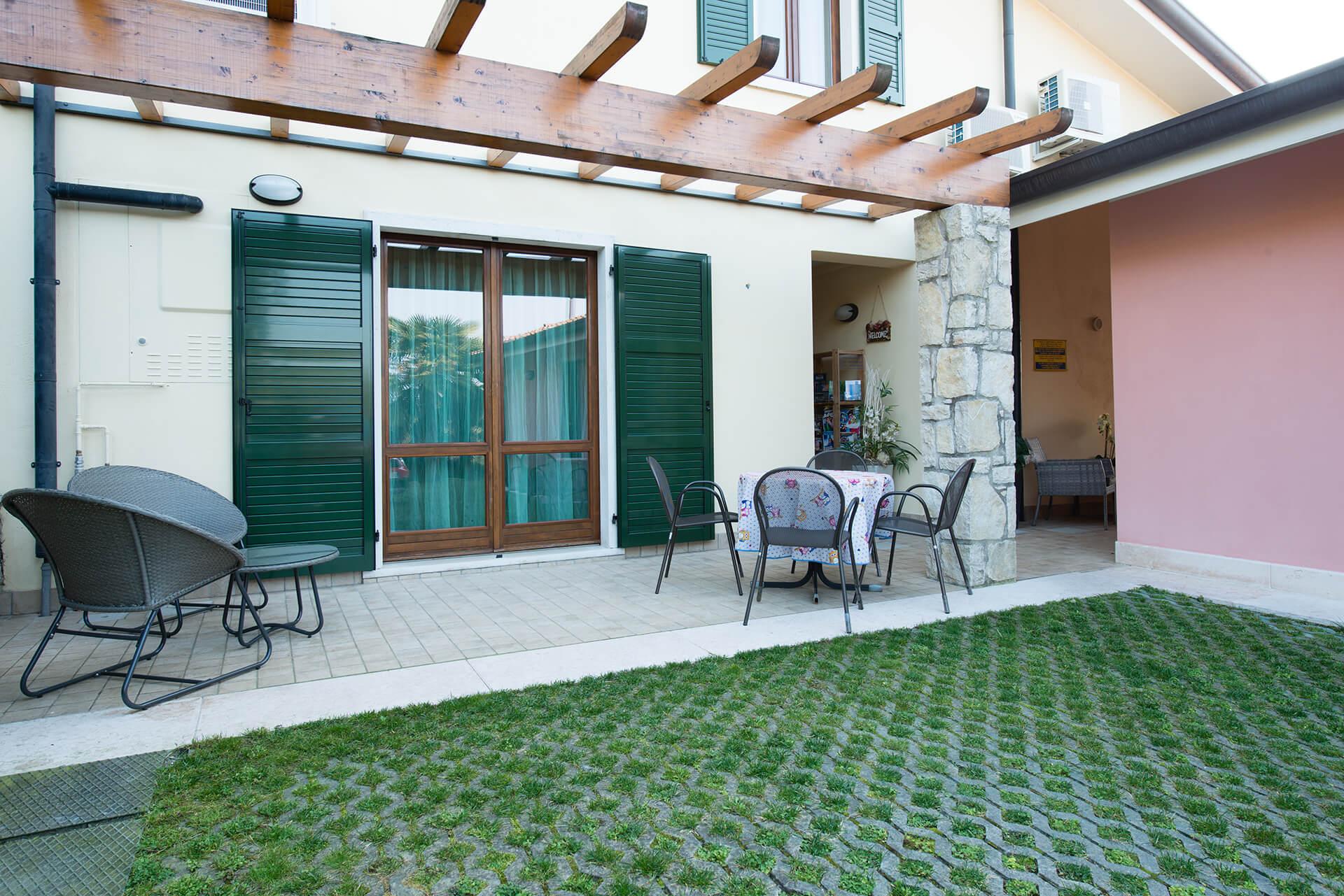 appartamento-b-canevini-giardino-2
